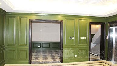 铭凤凰:绿色实木护墙板